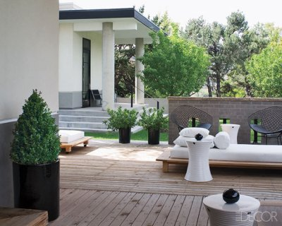 Mikhail Dantes Garden | DelysiaStyle